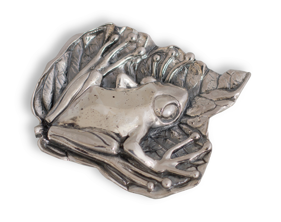Broche artesanal en plata de una Rana