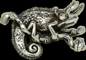 Colgante artesanal en plata de un Camaleón Jackson